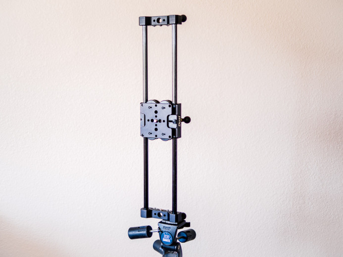 Duzi mounted vertically on tripod