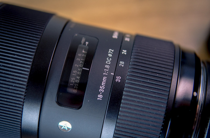 Focal length markings on Sigma 18-35mm zoom lens