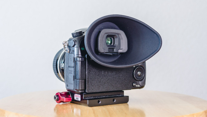VF-4 Eyecup on the GH4's EVF housing