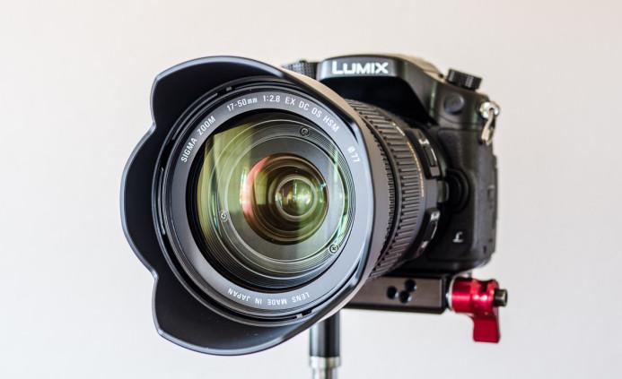 Lens hood included