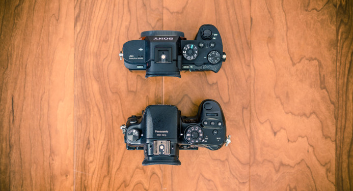 Sony a7S II is similar in size to the Panasonic GH4