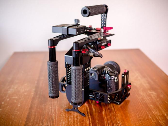 Birdycam 2's arms fold back