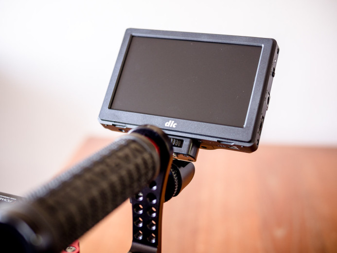 Monitor attached to Birdycam 2's top handle