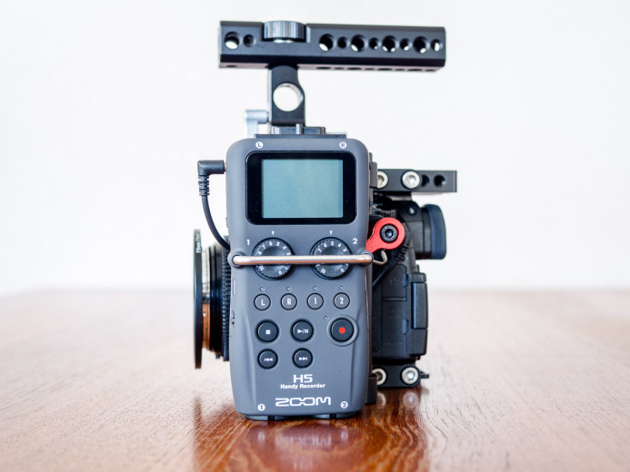 Zoom H5 on compact rig